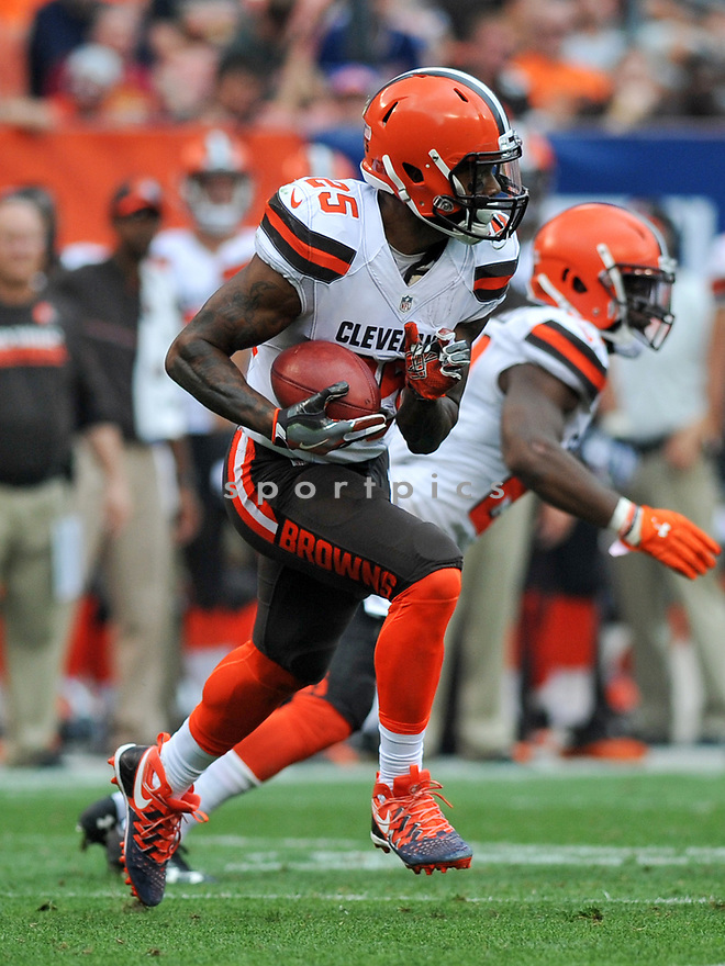 CLEVELAND, OH - JULY 18, 2016: Running back George Atkinson III #25 of the Cleveland Browns returns a kickoff in the third quarter of a game against the Baltimore Ravens on July 18, 2016 at FirstEnergy Stadium in Cleveland, Ohio. Baltimore won 25-20. (Photo by: 2017 Nick Cammett/Diamond Images)  *** Local Caption *** George Atkinson III(SPORTPICS)