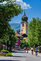 Austria, Tyrol, Brixen Valley, Westendorf: villagae centre with parish church St. Nicholas | Oesterreich, Tirol, Brixental, Westendorf: Ortszentrum mit Pfarrkirche zum Heiligen Nikolaus
