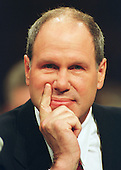 "Michael Eisner, Chairman, The Walt Disney Company, testifies before the United States Congress' Joint Economic Committee on ""Removing Barriers to the New Economy"" in Washington, DC on June 7, 2000.<br /> Credit: Ron Sachs / CNP"
