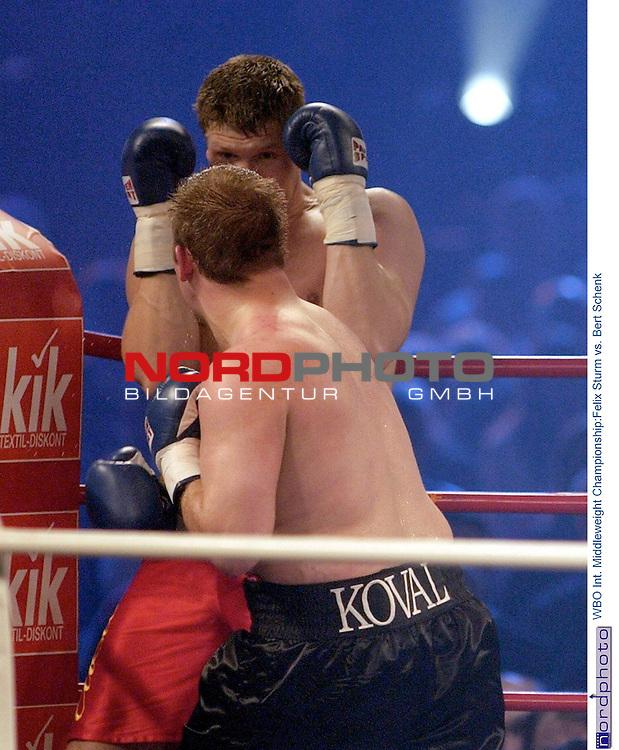Wilhelm-Dopatka-Halle Leverkusen <br /> Universum Box-Promotion <br /> <br /> WBO Int. Middleweight Championship:<br /> Felix Sturm vs. Bert Schenk <br /> <br /> Felix Sturm gewinnt in der 2. Runde mit k.o. gegen den Herausforderer Bert Schenk aus Magdeburg.<br />  Foto &copy; nordphoto <br /> <br /> <br /> <br /> <br /> <br /> <br /> <br />  *** Local Caption *** Foto ist honorarpflichtig! zzgl. gesetzl. MwSt.<br /> <br />  Belegexemplar erforderlich<br /> <br /> Adresse: nordphoto<br /> <br /> Georg-Reinke-Strasse 1<br /> <br /> 49377 Vechta