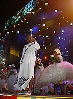 RECIFE, PE, 05.02.2016 - CARNAVAL-PE- Nações de Maracatus abrem o Carnaval de Recife sob o comando de Naná Vasconcelos, na noite desta sexta-feira,05.(Foto: Jean Nunes/Brazil Photo Press/Folhapress)
