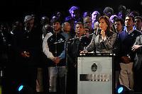 BUENOS AIRES, 25.05.2015 - REVOLUÇÃO-ANIVERSÁRIO - Milhares de pessoas se reuniram na Plaza de Mayo para comemorar o 205 º aniversário da Revolução de Maio, o ponto de Guerra da Independência da Argentina de partida, e ouvir a 25 de maio último discurso do presidente Cristina Fernandez Kirchner após 8 anos de mandato. (Foto: Patricio Murphy/Brazil Photo Press).