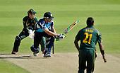 CB40 Cricket - Notts Outlaws V Scottish Saltires - Trent Bridge Nottingham - Salitires' opener Calum MacLeod sweeps Notts bowler for 2 -- Notts keeper is Chris Read - 22.7.12 - 07702 319 738 - clanmacleod@btinternet.com - www.donald-macleod.com