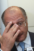 BRASÍLIA,DF 28 DE MARÇO 2013. GERALDO ALCKMIN EM AUDIÊNCIA COM O MINISTRO DOS PORTOS LEÔNIDAS MENEZES CRISTINO. O governador de São Paulo Geraldo Alckmin, em audiência com o ministro dos Portos Leônidas Menezes Cristino nesta quinta-feira (28) na sede do Ministerio dos Portos em Brasilia..FOTO RONALDO BRANDÃO / BRAZIL PHOTO PRESS