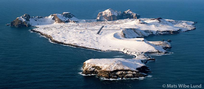 Heimaey, Vestmannaeyjar flugvöllur séð til norðurs / Heimaey, Vestmannaeyjar airport viewing north.
