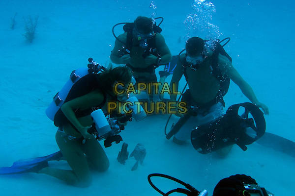 JESSICA ALBA, SCOTT CAAN & PAUL WALKER.in Into The Blue.Filmstill - Editorial Use Only.CAP/AWFF.www.capitalpictures.com.sales@capitalpictures.com.Supplied By Capital Pictures.