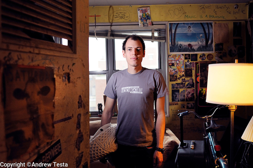 USA. Manhattan . 19th March 2009.Jeffrey Lewis in his old bedroom in the apartment he grew up in on the lower east side in Manhattan..©Andrew Testa.