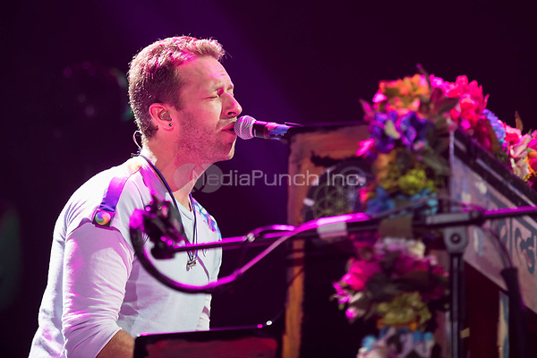 06th July 2017 - Coldplay performs at Global Citizen Festival 2017 at Barclaycard Arena in Hamburg, Germany. | Verwendung weltweit/picture alliance /MediaPunch ***FOR USA ONLY***