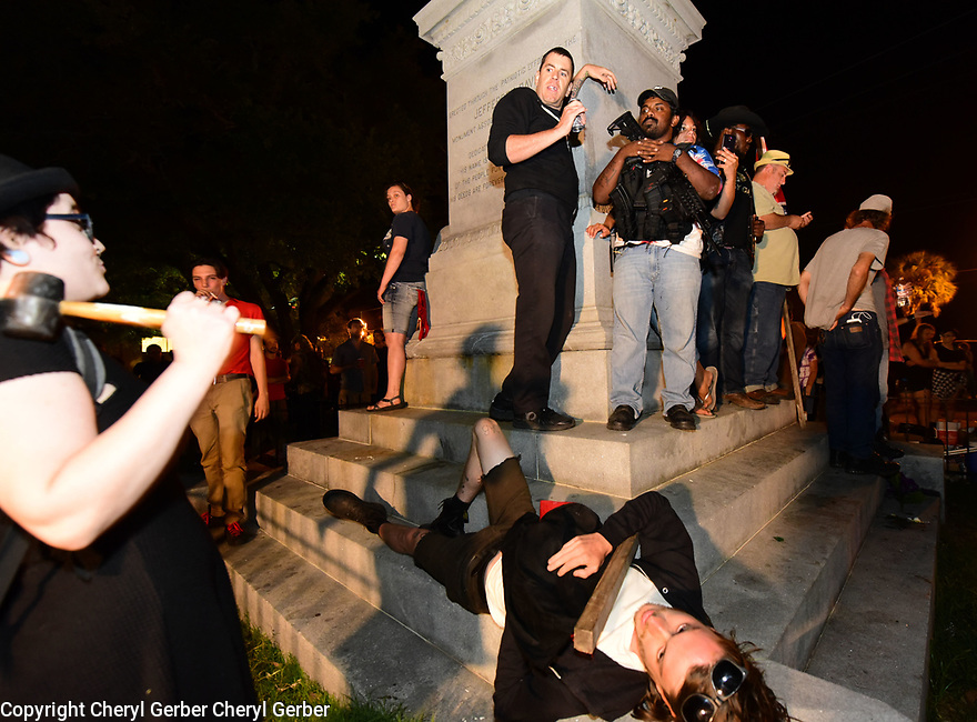 Protesters clash at the Confederate Monument of Jefferson Davis