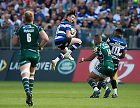 Freddie Burns of Bath Rugby claims the ball in the air. Aviva Premiership match, between Bath Rugby and London Irish on May 5, 2018 at the Recreation Ground in Bath, England. Photo by: Patrick Khachfe / Onside Images