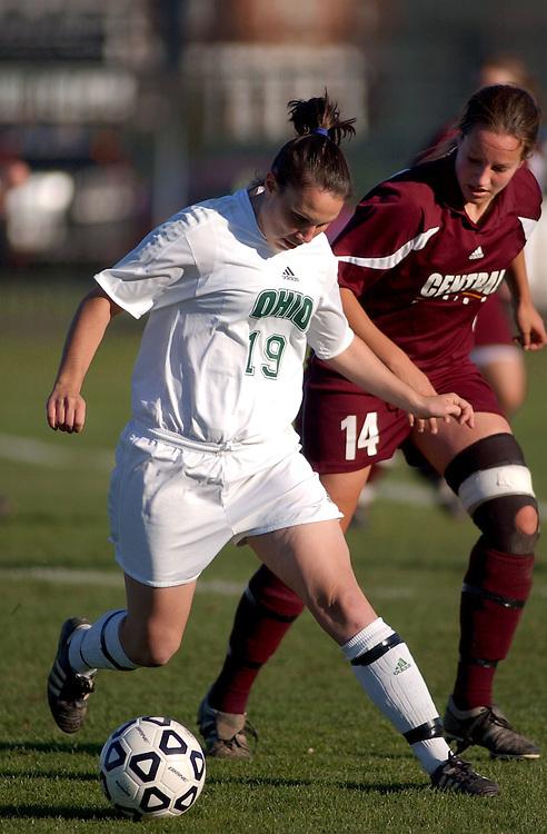 16722Ohio vs. CMU womens soccer 11/5/04: Colby Ware