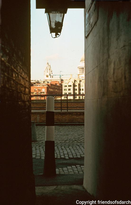 London:  Thameside Walk #17.  St. Paul's from Cardinal Cap Alley.  Photo '90.