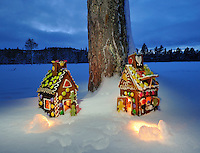 Gingerbread house,Pepperkakehus Pepperkakehus, Gingerbread house Home decor, Home decor,   Trond Are Berge