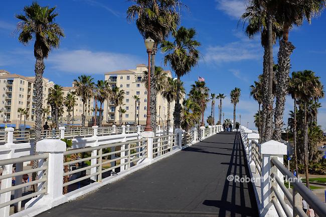 The pier in Oceanside California on a summer morning