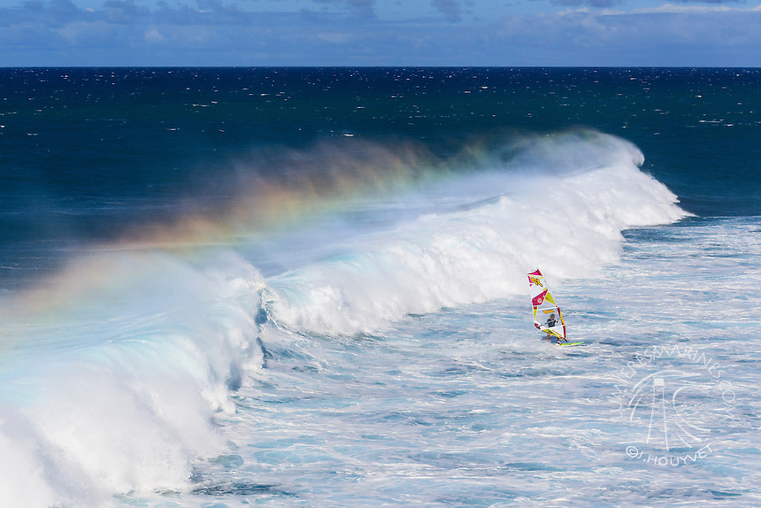 Morgan Noireaux (FRA) windsurfing in Ho'okipa Beach Park (Maui, Hawaii, USA)