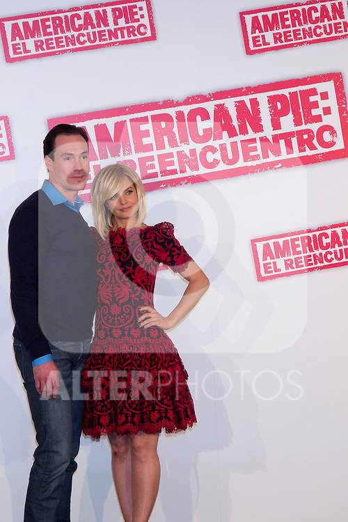 "19.04.2012. Presentation Photocall at the Hotel Villamagna in Madrid of ""American Pie. The Reunion"" with actors Jason Biggs (Jim), Sean William Scott (Stifler), Chris Klein (Oz), Mena Suvari (Heather), Eugene Levy (Jim's father) and Jennifer Coolidge (Stifler's Mother) and directors John Hurwitz and Hayden Schlossberg. In the picture: Chris Klein and Mena Suvari (Alterphotos/Marta Gonzalez)"