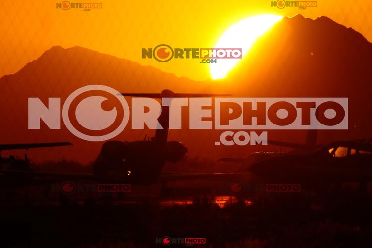 Sol, Avion, Areopuerto, Luna, Luces, Rueda, Feria, colores,<br /> Foto: LuisGutierrez/NortePhoto.com