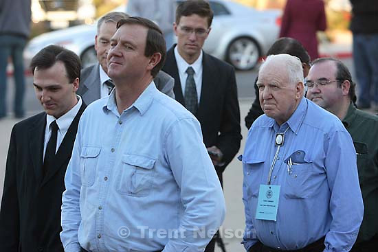 St. George - Supporters of Warren Jeffs wait in line to enter the courthouse. About ten FLDS men sat in the gallery, showing support for Warren Jeffs, who they consider their prophet. Preliminary hearing, Warren Jeffs trial, 5th District Court.<br />