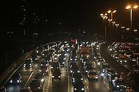 SAO PAULO, SP, 05.07.2013 - TRANSITO-SAO PAULO - Transito intenso na Av Alcantara Machado (Radial Leste) sentido bairro altura da Rua dos Trilhos no bairro da Mooca regiao leste da cidade de Sao Paulo nesta sexta-feira, 05 Foto: William Volcov - Brazil Photo Press.