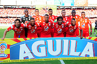 CALI - COLOMBIA -04-02-2017: Los jugadores de America posan para una foto, durante partido America de Cali y Rionegro Aguilas, por la fecha 1 de la Liga Aguila I 2017 jugado en el estadio Pascual Guerrero de la ciudad de Cali. / The players of America pose for a photo, during a match between America de Cali and Rionegro Aguilas, for the date 1 of the Liga Aguila I 2017 at the Pascual Guerrero stadium in Cali city. Photo: VizzorImage / Nelson Rios / Cont.