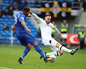 30th September 2017, Cardiff City Stadium, Cardiff, Wales; EFL Championship football, Cardiff City versus Derby County; Nathaniel Mendez-Laing of Cardiff City beats several defenders on the attack but his shot is blocked by Richard Keogh of Derby County