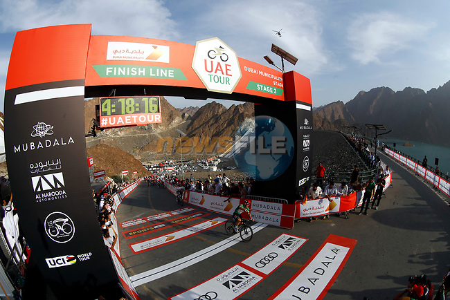 Green Jersey holder Caleb Ewan (AUS) Lotto-Soudal outsprints Irish Champion Sam Bennett (IRL) Deceuninck-Quick Step to win Stage 2 the Dubai Municipality Stage of the UAE Tour 2020 running 168km from Hatta to Hatta Dam, Dubai. 24th February 2020.<br /> Picture: BettiniPhoto/Luca Bettini | Cyclefile<br /> <br /> All photos usage must carry mandatory copyright credit (© Cyclefile | BettiniPhoto/Luca Bettini)