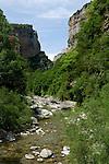 Eaux du rio Bellos dans le canyon d'Anisclo. Pyrénées centrales. Parc national D'ordesa et du Mont Perdu. Patrimoine mondial de l'Unesco. Espagne.The Spanish Pyrenees. Spain.