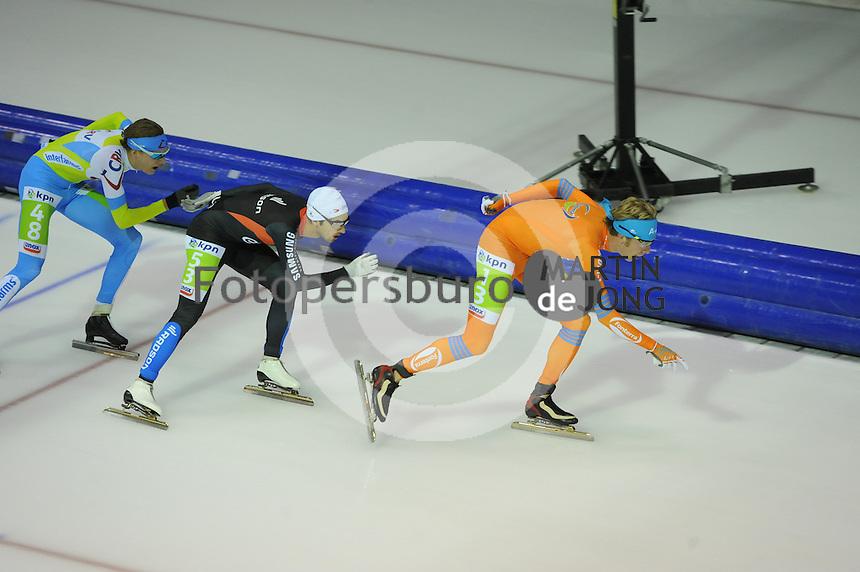 SCHAATSEN: HEERENVEEN: 25-10-2014, IJsstadion Thialf, Marathonschaatsen, KPN Marathon Cup 2, Robert Post (#48), Fabio Francolino (#53), Jorrit Bergsma (#13), ©foto Martin de Jong
