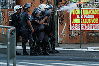 SÃO PAULO,SP,21.07.14 - PROTESTO MORTE FAVELA VILA PRIUDENTE. Moradores da Favela de vila prudente na zona leste protestam contra a morte de duas pessoas.Durante o protesto eles colocaram fogo em caçamba de lixo e fecharam a AV Anhaia melo nos dois sentidos(Foto Ale Vianna/Brazil Photo Brazil Press).