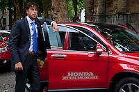 16-9-09, Netherlands,  Maastricht, Tennis, Daviscup Netherlands-France, Robin Haase bij de official Honda