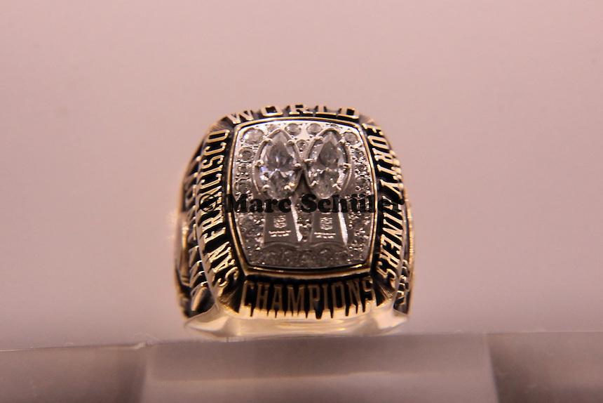 Super Bowl Ringe der einzelnen Siegerteams: XIX San Francisco 49ers - 1984