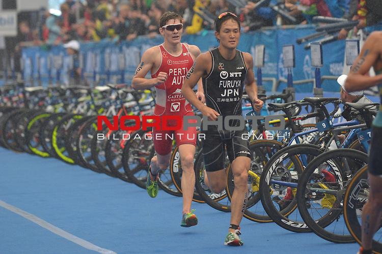 20160716,  Innenstadt, Hamburg, GER, Hamburg Wasser World Triathlon, Elite Maenner Sprintdistanz, im Bild Jumpei Furuya (JPN) beim Laufen Foto © nordphoto / Witke