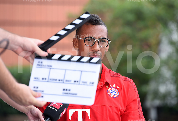 FUSSBALL     1. BUNDESLIGA     SAISON  2015/2016 Audi Football Summer Tour China 2015 FC Bayern Muenchen 21.07.2015  Tag 5: Jerome Boateng beim DFL Interview-Produktion mit Filmklappe