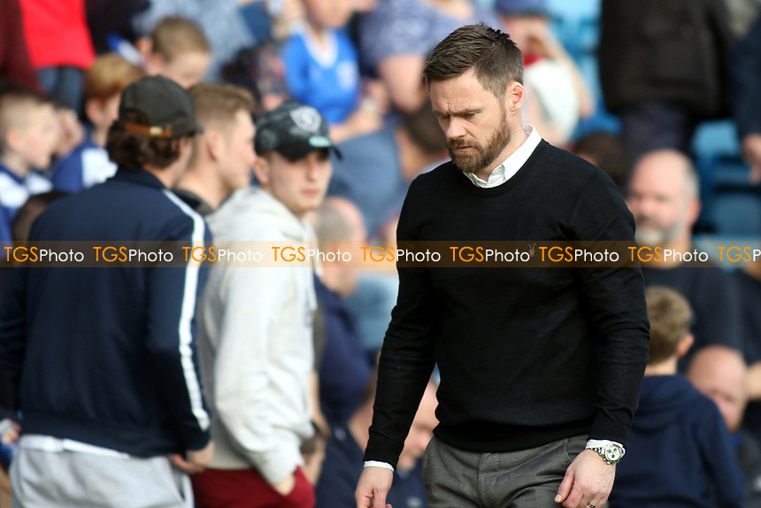 Scunthorpe United Manager, Graham Alexander, trudges off to the dressing room during Gillingham vs Scunthorpe United, Sky Bet EFL League 1 Football at the MEMS Priestfield Stadium on 11th March 2017