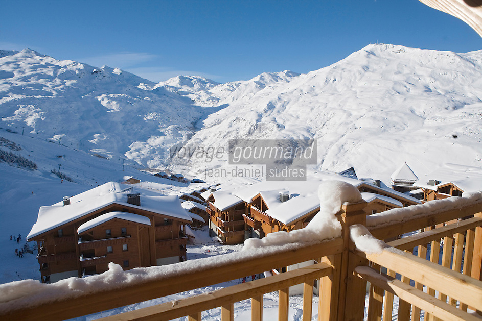 Europe/France/Rhone-Alpes/73/Savoie/Les Ménuires:  le domaine skiable vu depuis Hotel Kaya au Village de Reberty