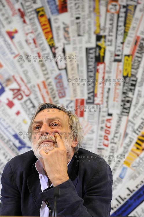 ROMA, 16 APRILE 2010.SEDE STAMPA ESTERA, CONFERENZA DI EMERGENCY CON GINO STRADA FONDATORE E CECILA STRADA PRESIDENTE DI EMERGENCY.FOTO SIMONA GRANATI