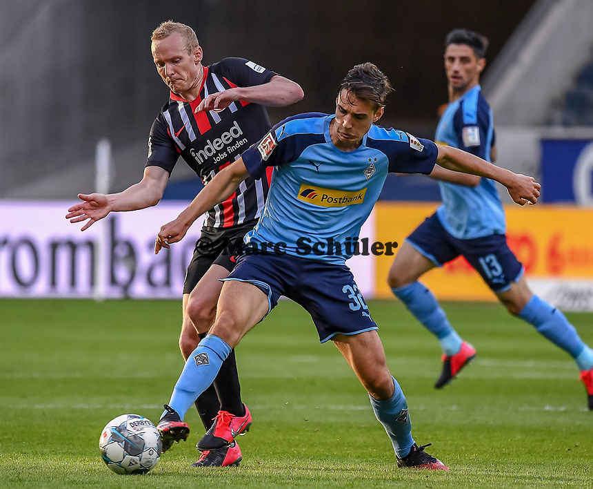 Sebastian Rode (Eintracht Frankfurt), Florian Neuhaus (Borussia Moenchengladbach) - 16.05.2020, Fussball 1.Bundesliga, 26.Spieltag, Eintracht Frankfurt  - Borussia Moenchengladbach emspor, v.l. Stadionansicht / Ansicht / Arena / Stadion / Innenraum / Innen / Innenansicht / Videowall<br /> <br /> <br /> Foto: Jan Huebner/Pool VIA Marc Schüler/Sportpics.de<br /> <br /> Nur für journalistische Zwecke. Only for editorial use. (DFL/DFB REGULATIONS PROHIBIT ANY USE OF PHOTOGRAPHS as IMAGE SEQUENCES and/or QUASI-VIDEO)