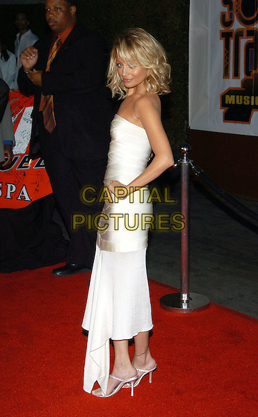 NICOLE RICHIE.19th Annual Soul Train Music Awards held at the Paramount Studios. Hollywood, California.Photo Credit: Jacqui Wong/AdMedia//Sipa Press.February 28th, 2005.full length white trspless dress hand on hip.www.capitalpictures.com.sales@capitalpictures.com.© Capital Pictures.