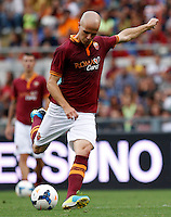 "Calcio: allenamento a porte aperte ""Open Day"" per la presentazione della Roma, a Roma, stadio Olimpico, 21 agosto 2013.<br /> AS Roma midfielder Michael Bradley, of the United States, kicks the ball during the club's Open Day training session at Rome's Olympic stadium, 21 August 2013.<br /> UPDATE IMAGES PRESS/Isabella Bonotto"