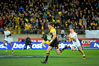 Beauden Barrett runs in an intercept try during the Super Rugby semifinal match between the Hurricanes and Chiefs at Westpac Stadium, Wellington, New Zealand on Saturday, 30 July 2016. Photo: Dave Lintott / lintottphoto.co.nz
