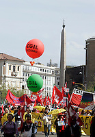Manifestazione nazionale della Cgil a Roma, 4 aprile 2009, contro le politiche economiche e sociali del governo..Demonstrators attend a rally by the Italian General Confederation of Labour (CGIL) labour union in Rome, 4 april 2009, against Italian government's social and economic policies..UPDATE IMAGES PRESS/Riccardo De Luca