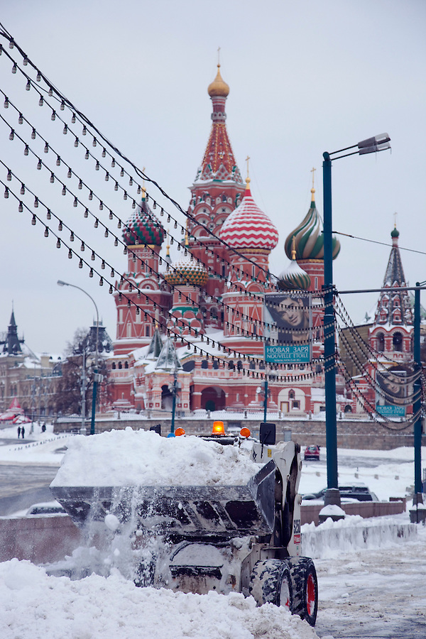 Moscow, Russia, 23/02/2010..Workers use snow ploughs to help clear Red Square area after record amounts of snow fell over the weekend, the heaviest in the Russian capital for nearly 50 years.