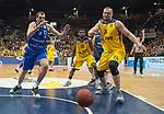10.02.2018, EWE Arena, Oldenburg, GER, BBL, EWE Baskets Oldenburg vs Rockets Erfurt, im Bild<br /> <br /> Rasid MAHALBASIC (EWE Baskets Oldenburg #24)<br /> Sava LESIC (Rockets Erfurt #15 )<br /> Foto &copy; nordphoto / Rojahn