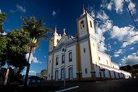 Itapecerica_MG, Brasil...Igreja Matriz em Itapecerica...A church in Itapecerica...Foto: LEO DRUMOND / NITRO