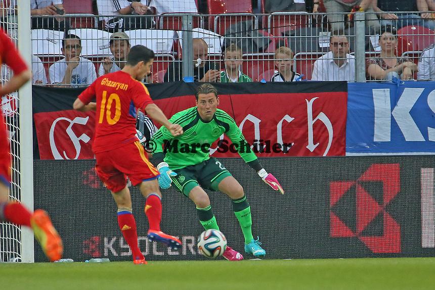 Ghazaryan (ARM) gegen Roman Weidenfeller (D) - Deutschland vs. Armenien in Mainz