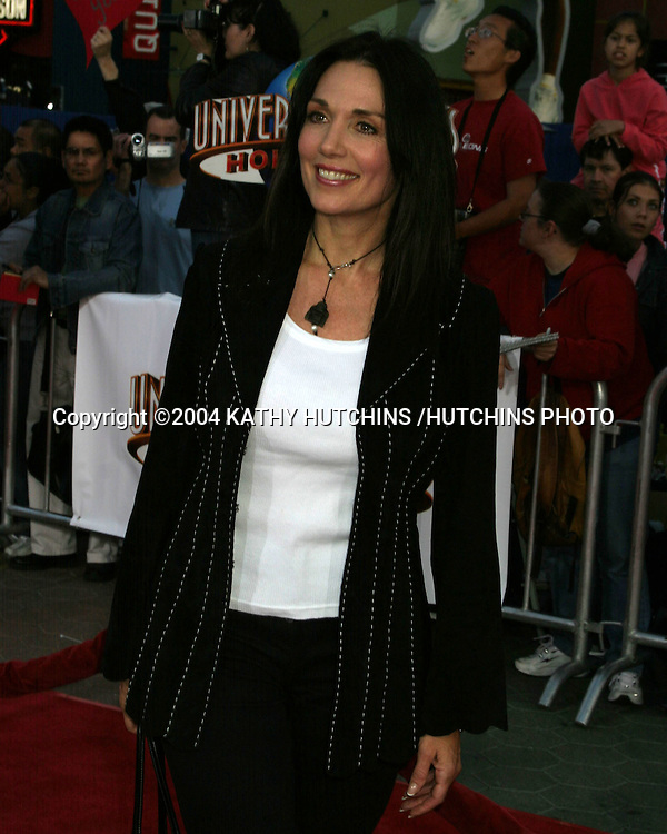 "©2004 KATHY HUTCHINS /HUTCHINS PHOTO.WORLD PREMIERE OF ""CONNIE AND CARLA"".Universal City Walk.LOS ANGELES, CA.APRIL 14, 2004..STEPFANIE KRAMER"