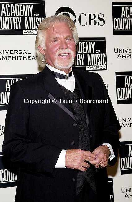 Kenny Rogers backstage at the 36th Academy of Country Music Awards held at the Universal Amphitheater in Los Angeles, CA, Wednesday, May 9, 2001.  (photo by © Tsuni)          -            RogersKenny11.jpg