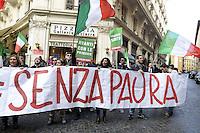 Roma, 26 Novembre 2012.Via dell'Umiltà.Militanti del PDL manifestano davanti la sede del PDL per chiedere le primarie nel centro destra