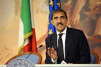 Roma, 14 Ottobre 2011.Sala stampa Palazzo Chigi.Ignazio La Russa ministro della difesa