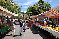 France, Provence-Alpes-Côte d'Azur, Nice: Fruit and vegetable market, Cours Saleya | Frankreich, Provence-Alpes-Côte d'Azur, Nizza: Gemuesemarkt an der Cours Saleya